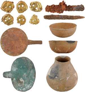 Artefacts(Tomb No. 8 of Group 2)